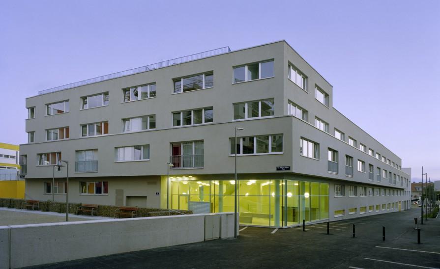 Lux Wohnhaus Im Kabelwerk Pool Architektur